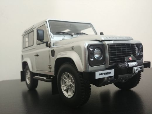 1:18 land rover model car