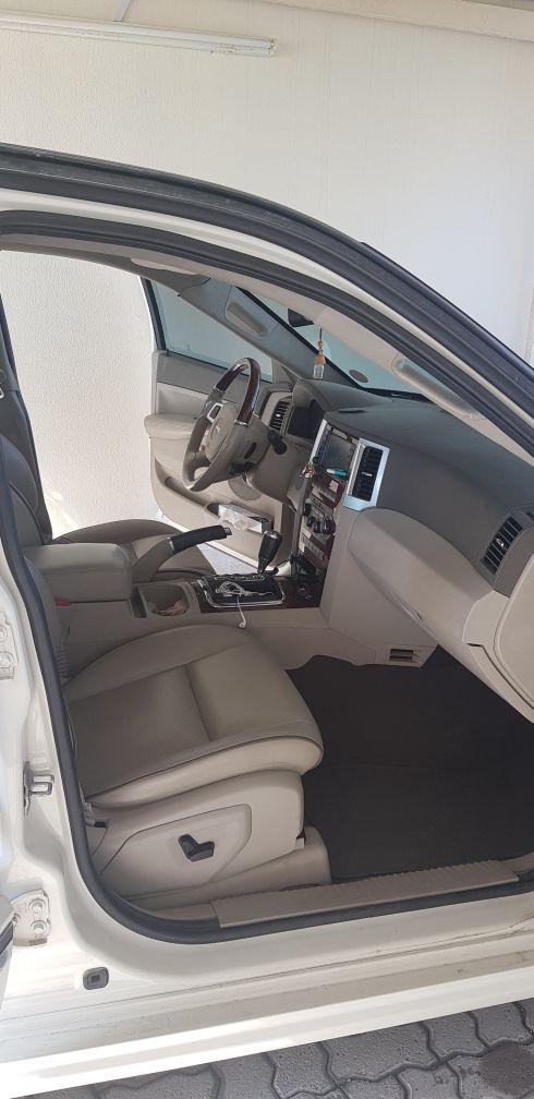 Jeep Grand Cherokee - Leaving Qatar