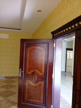 الايجار بالمره غرفه و صاله وحمام و مطبخ