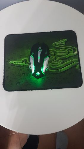RGB wirless gaming mouse + mouse pad