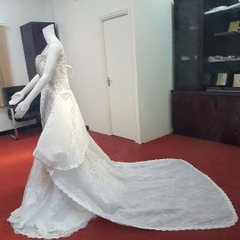 luxury type wedding gown