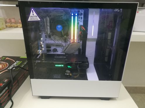 كمبيوتر العاب جديد للبيع - غير مستعمل