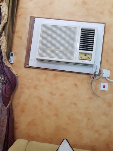 ٣ مكيفات هواء للبيع