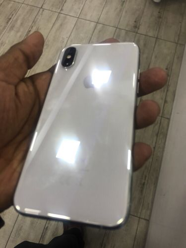 iPhone x 64 gb white
