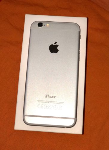 IPHONE 6 • SILVER • 64 GB