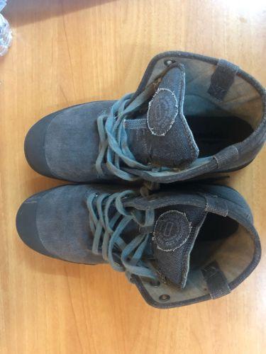 Grey boot
