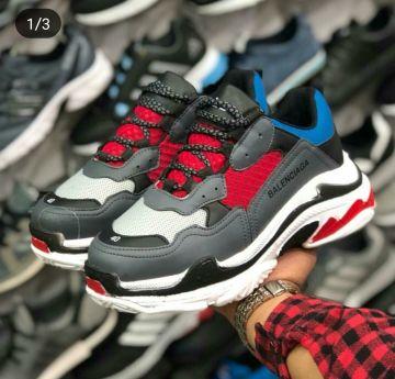 حذاء جديد جميل