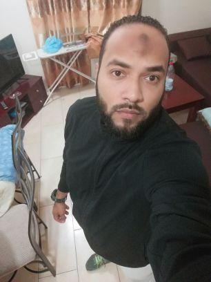 انا اكرم حريز منصور خريج جامعة الخرطوم