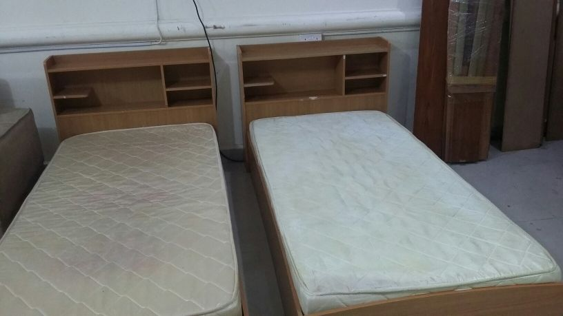 two single bed with mattress
