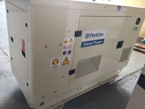 مولدات كهرباء جديده للبيع