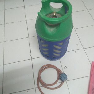 Cylinder with tube and regulator