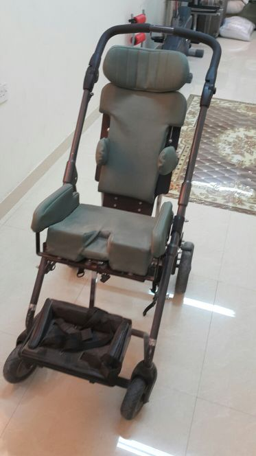 كرسي ذوي احتياجات خاصه