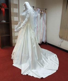 wedding gown (brand new)