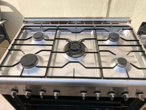 LG Electric auto ignition stove