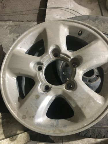 Toyota rim for sale (only one)